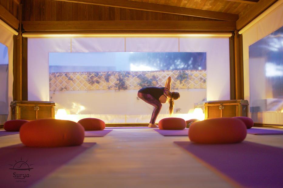 Yoga orientado al Surf en Villa Surya