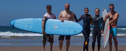 Viajes de Surf y Yoga para empresas en Cádiz